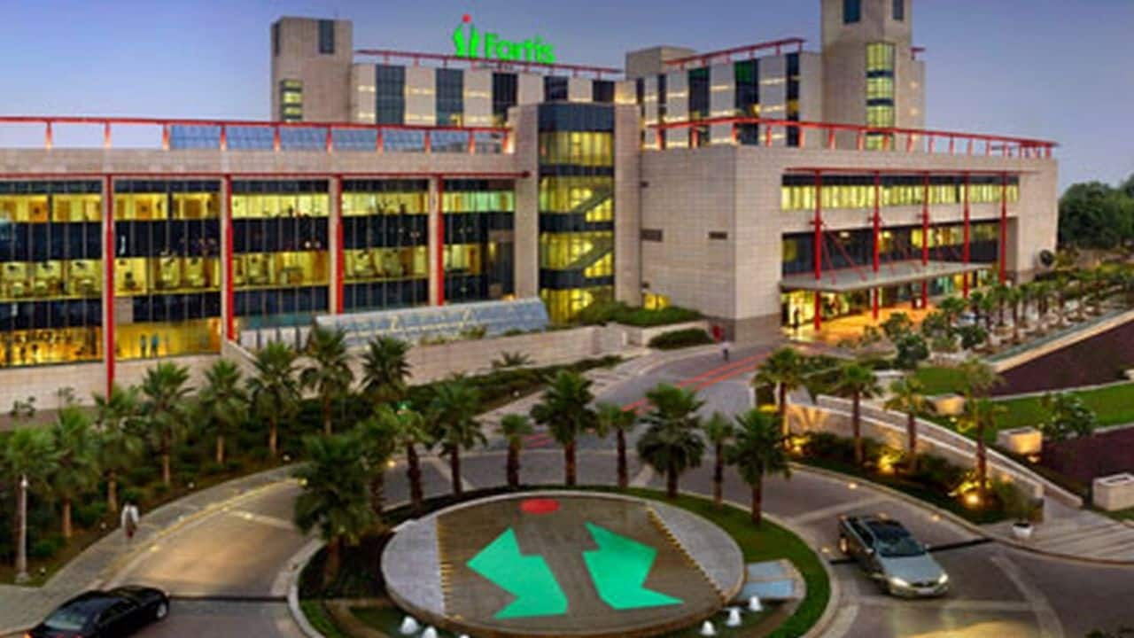 Fortis Healthcare: The company reported consolidated profit at Rs 62.36 crore in Q4FY21 against loss of Rs 41.24 crore in Q4FY20, revenue rose to Rs 1,252.44 crore from Rs 1,112.92 crore YoY.